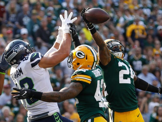 Seahaws tight end Jimmy Graham was nearly invisible