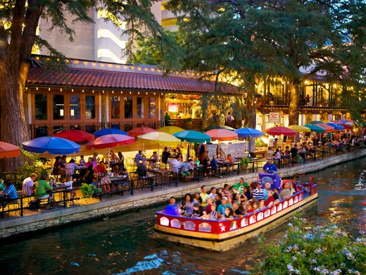 San Antonio S Casa Rio Was The First Restaurant To