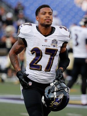 Asa Jackson warms up before the start of the Ravens preseason game against the New Orleans Saints at M&T Bank Stadium on August 13. Jackson was claimed off the waiver wire by the New York Giants on Sunday.
