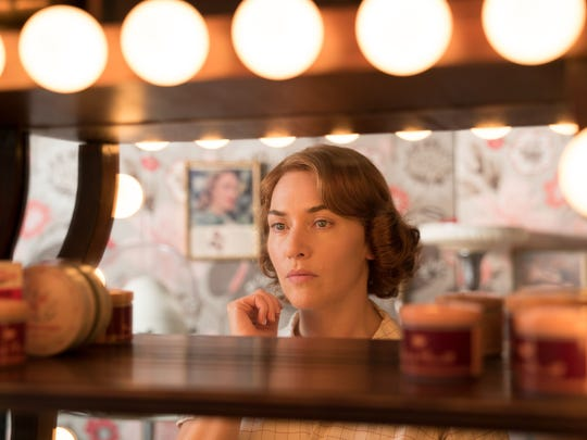Ginny (Kate Winslet) is a failed-actress-turned-waitress