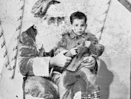 636488491807538401-VINBrd-12-17-2011-Daily-1-A010-2011-12-16-IMG--Christmas-1961.jpg-1-1-03NHSRF-IMG--Christmas-1961.jpg-1-1-03NHSRF.jpg