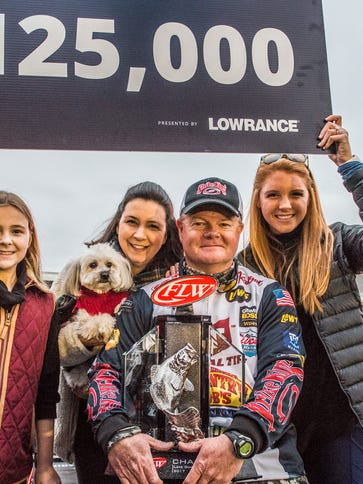 Angler Mark Rose and family celebrate his FLW Tour