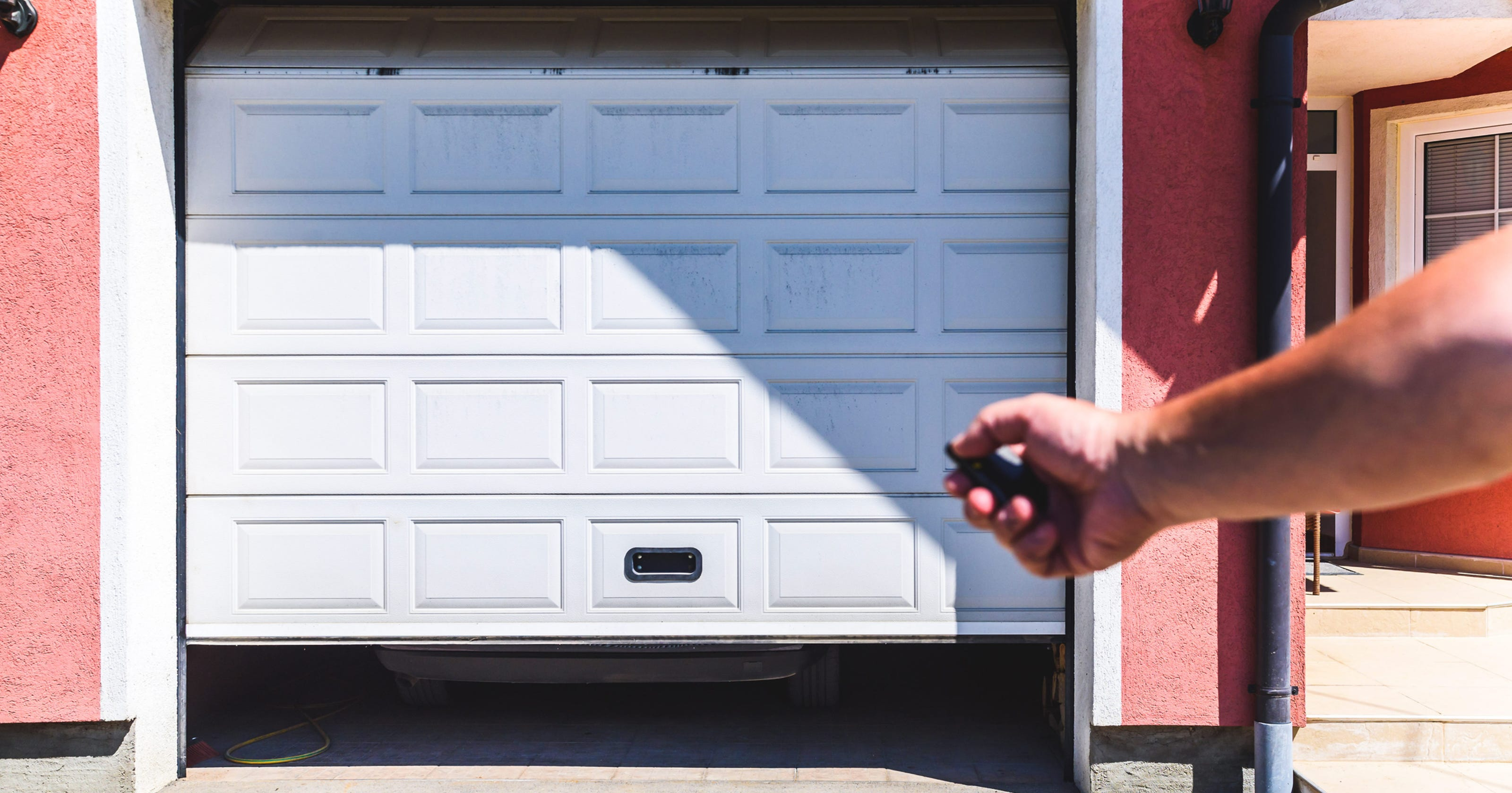 Does Opening The Garage Door A Crack Keep Your House Cooler