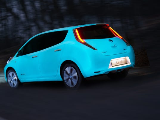 Nissan Shows Off Glow In The Dark Cars