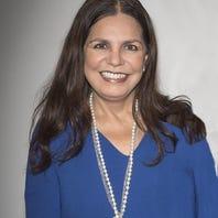 Apoya Memo del Bosque a Rosy Ocampo con su enfermedad