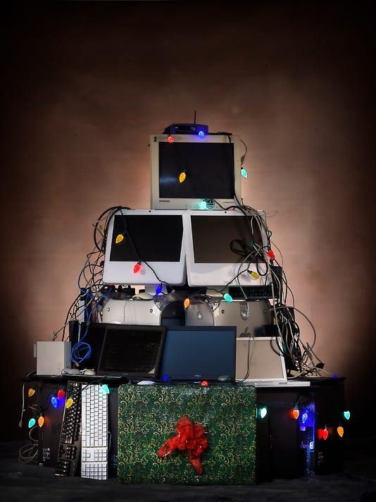 1-LDN-MKD-122315-electronic-