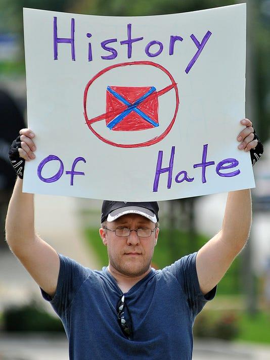 MNJ 0830 Confederate flag parade protest 002