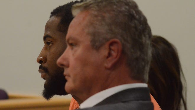 Toriano Adams, left, with his attorney, Donald Sappanos, at an earlier hearing. A murder charge for Adams was dismissed on Tuesday.