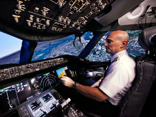 AP BOEING 787 FLIGHT SIMULATOR F A USA WA