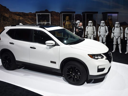 nissan create 39 rogue one 39 suv for star wars fans. Black Bedroom Furniture Sets. Home Design Ideas