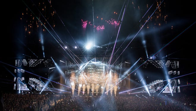 Calvin Harris brought the first weekend of Coachella to a close with a spectacular video and light show