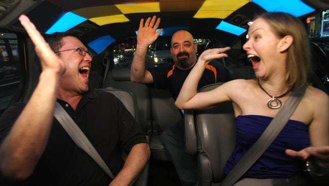 Discovery's 'Cash Cab' will return after a five-year break, using celebrities to surprise New York City taxi hailers with trivia questions.