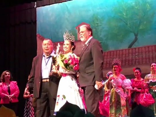 Victoria Morin is the new Féria de las Flores queen #VivaCC