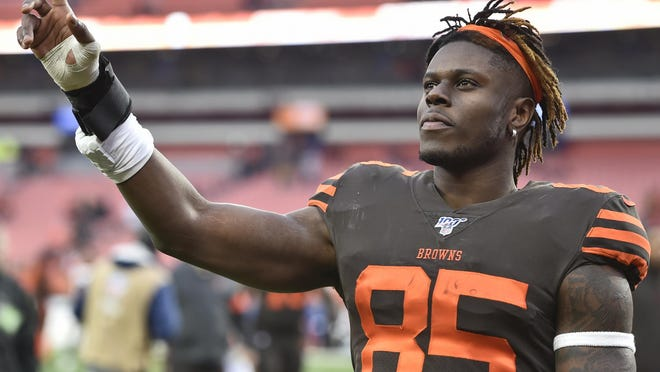 Cleveland Browns tight end David Njoku celebrates after the Browns defeated the Cincinnati Bengals 27-19 on Dec. 8, 2019, in Cleveland. Njoku requested a trade on Friday, agent Drew Rosenhaus told ESPN.