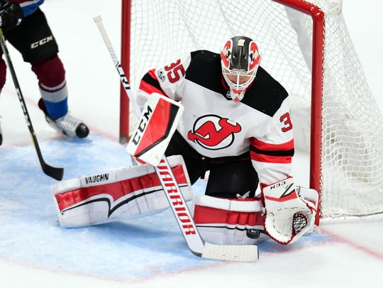 New Jersey Devils goalie Cory Schneider (35) makes