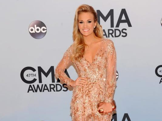 2013cmaawards-arrivals.jpg