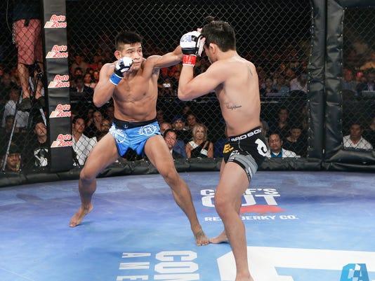 Levy Marroquin fights John Castaneda
