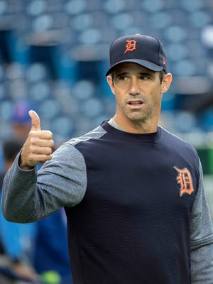 Brad Ausmus gestures with his thumb during batting practice before a game Sept. 8, 2017 in Toronto.