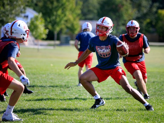 Creston High School Quarterback Kylan Smallwood run