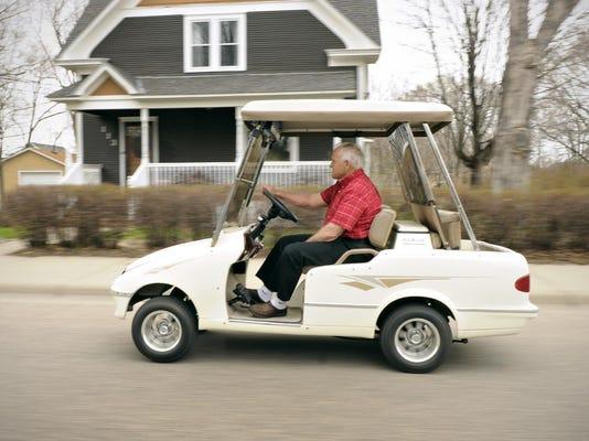 IMG_STC_0507_Golf_Carts__1_1_BI79DC6L.jpg_20140507.jpg