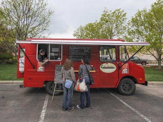 FTC0519-ll-Food Truck Roundup A1