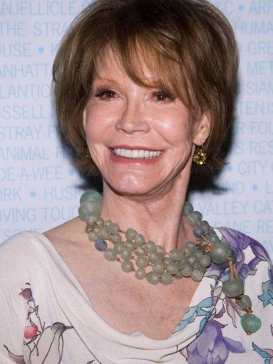 AP PEOPLE MARY TYLER MOORE A FILE ENT USA NY
