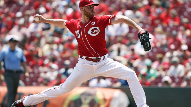 Cincinnati Reds starting pitcher Anthony DeSclafani (28) pitches to the San Diego Padres at Great American Ball Park Sunday, June 26, 2016. DeSclafani pitched 8 innings to help the Reds win 3-0.