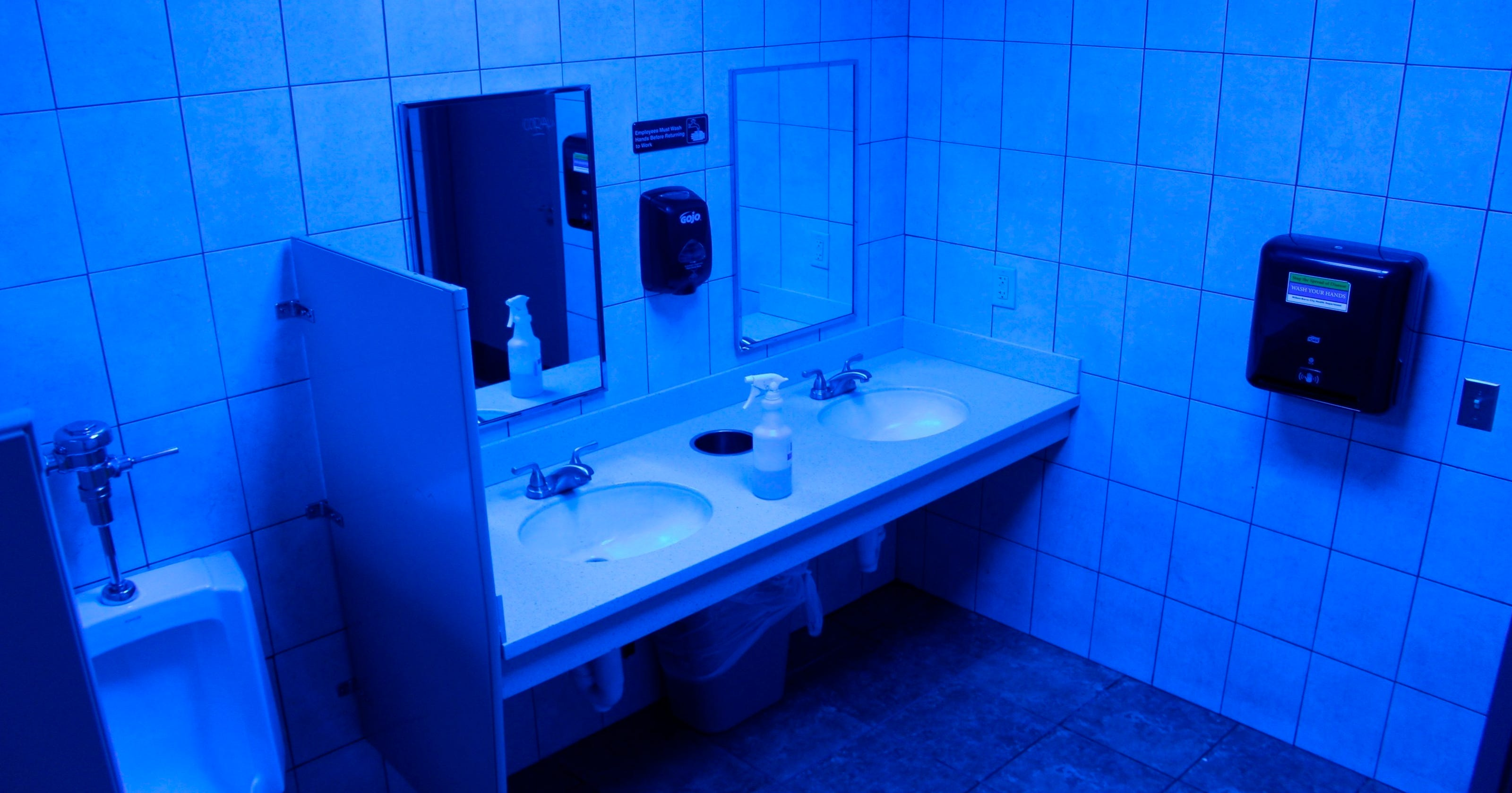 Retailers testing blue lights to ward off drug users