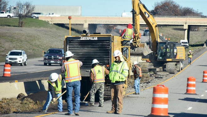 The project to widen US Highway 82 in Fannin County is set to begin next week.