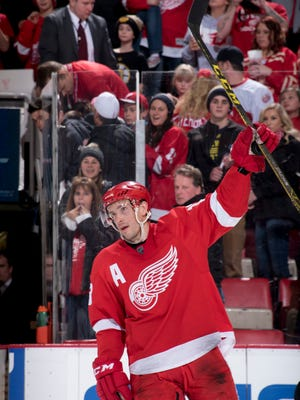 Red Wings center Pavel Datsyuk will be paired with Henrik Zetterberg when Detroit meets Pittsburgh Thursday.