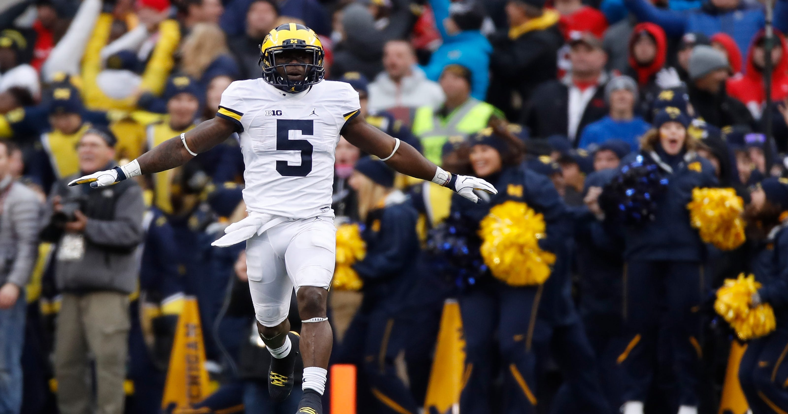 the latest 1ded2 a03f5 Michigan star Jabrill Peppers leaving early for the NFL
