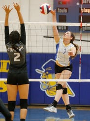 Alivia Ugalde, of Eastwood High School, returns the
