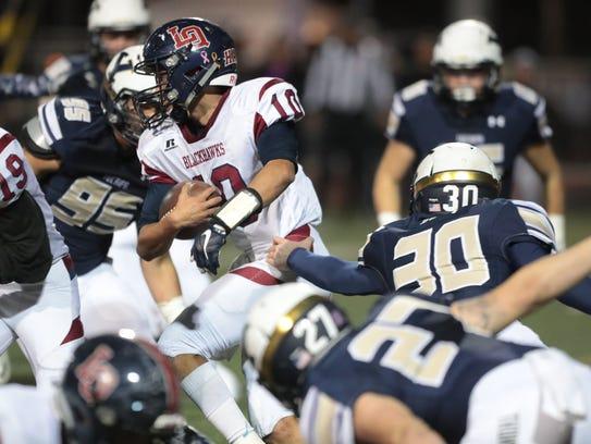 La Quinta quarterback Juan Ramon Ruiz Jr. is quickly