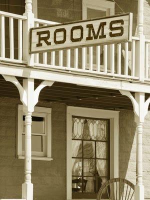 File: Old hotel