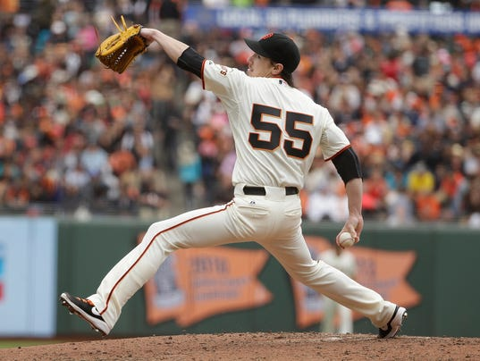 Lincecum throws a no-hitter