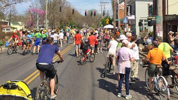 Come out and enjoy a car-free Frankfort Avenue Sunday.