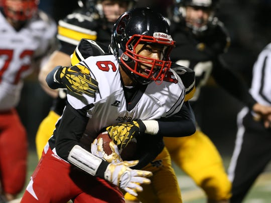 Senior Trey Mosley (6) had four rushing touchdowns and three receiving touchdowns for Fort Dodge last season.