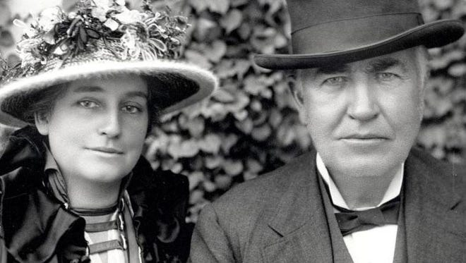 Thomas Edison fell in love with Mina in the winter of 1885, when she had just returned from Paris.