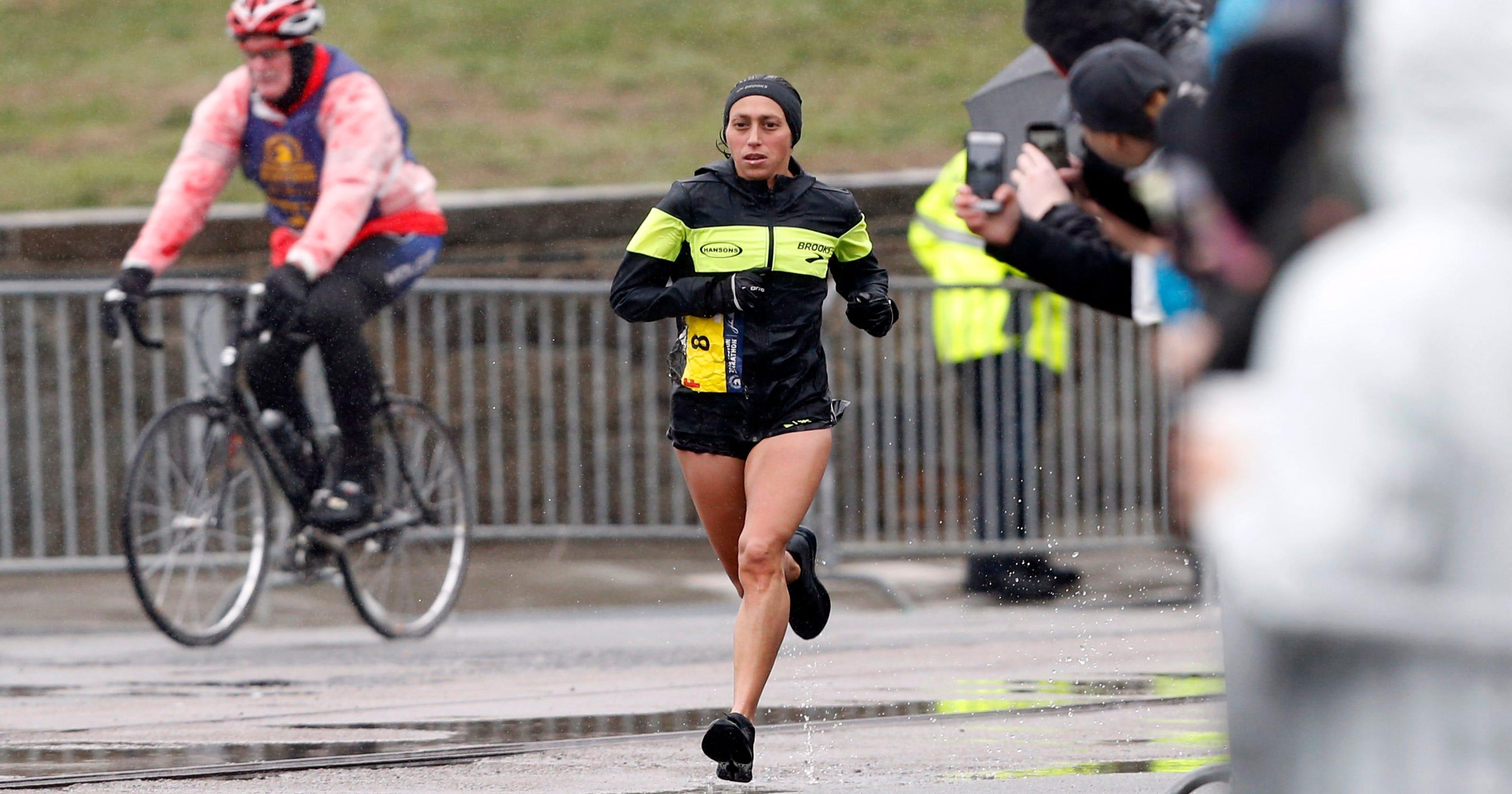 a429b29328e Boston Marathon  Desi Linden shows incredible sportsmanship in winning