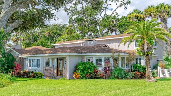 This beautiful Ormond Beach home -- built in 1951 with extensive updates and additions in 1991 and 2005 -- overlooks the Intracoastal Waterway, with riparian rights and stunning views.