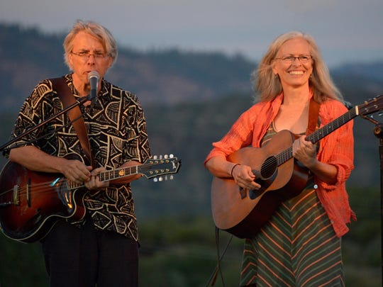 Darol Anger and Emy Phelps will perform Saturday night at the Hangar Theatre as part of the Winter Village Music Festival.