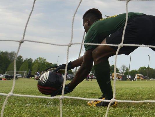 -soccer18.jpg_20150408.jpg