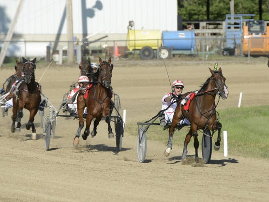 1_FRE 0723 HARNESS RACING