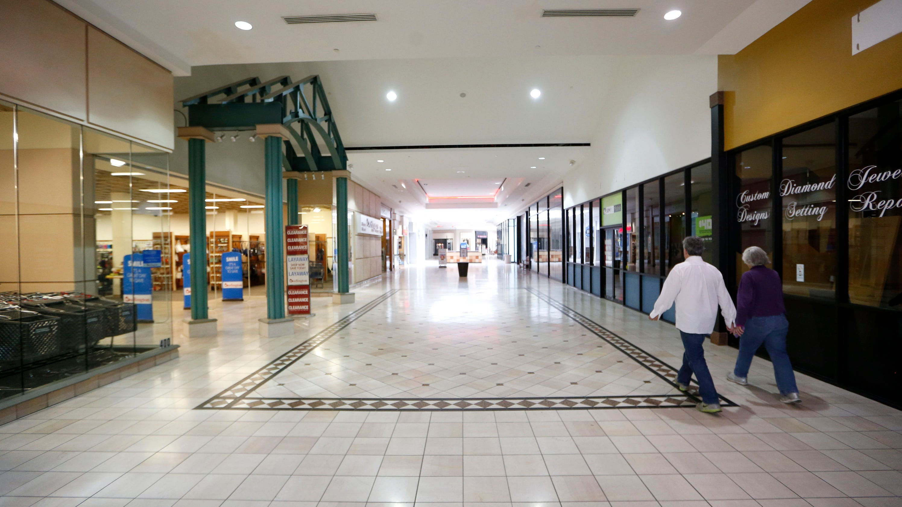 Tallahassee Mall Longtime Customers Help Mall Businesses