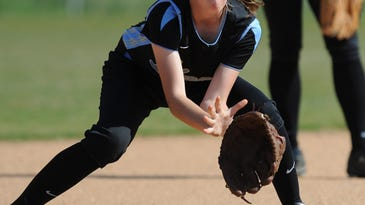 Young Woodmont Wildcats hang on to softball playoff hopes