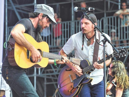 Watkins: The Avett Brothers play music their way