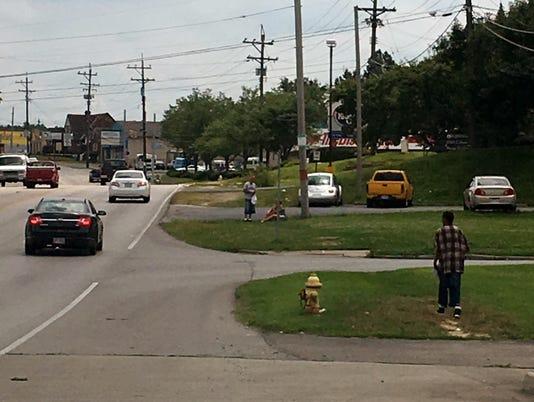 636361369455382389-sidewalk-grant.jpg