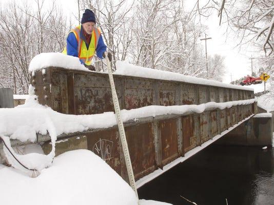 LCP deficient bridge main