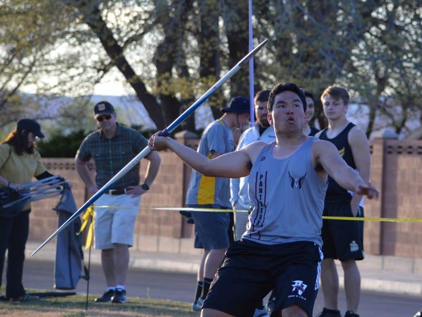 Neitana Leung Choi throws the javelin at the 2016 Hurricane Invitational
