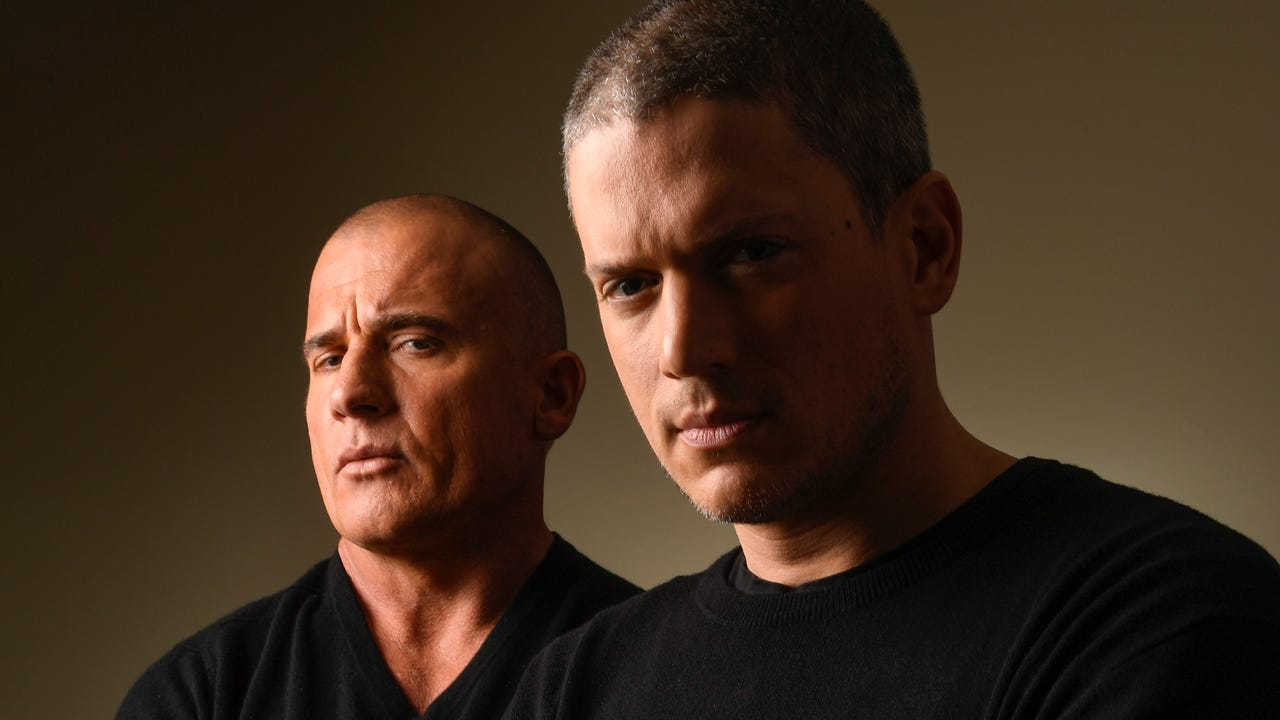 'Prison Break' stars Wentworth Miller and Dominic Purcell are not as talented at folding paper cranes as Michael is in the show, where the cranes are used to send secret messages. Here, the guys share their origami skills.
